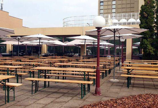 SP EVENT sátor, sörpad, asztal, szék és más